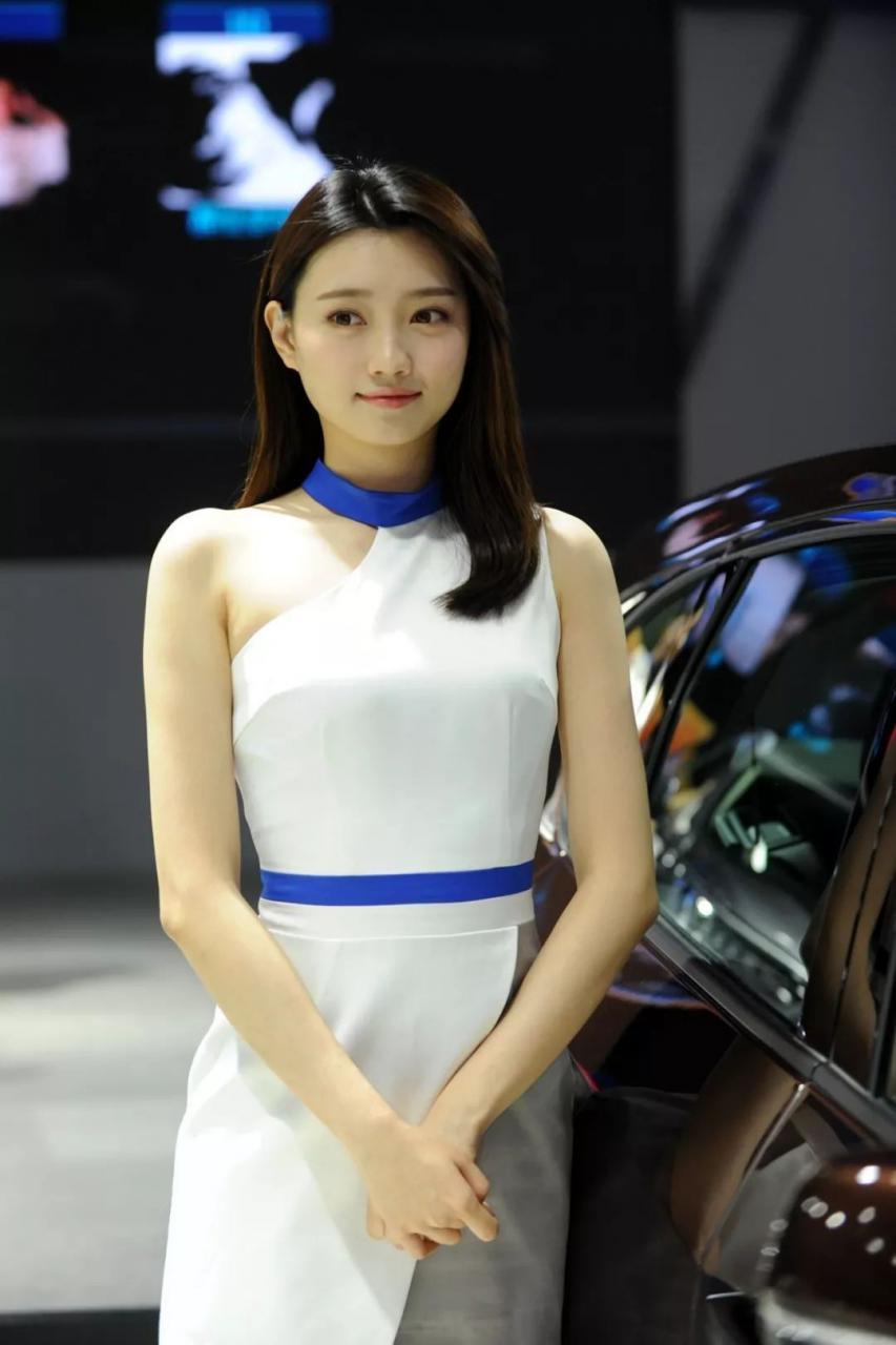 广汽讴歌展台模特
